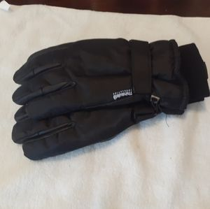 Mens Thinsulate winter gloves.